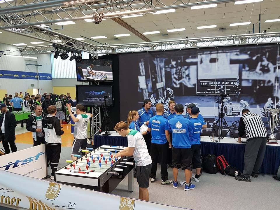 Das Team vor dem Halbfinale (Bild: griffband.ch)