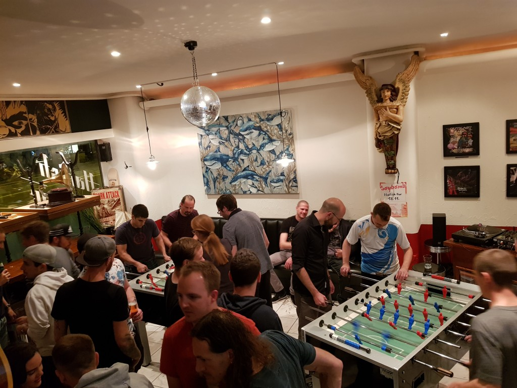 Das legendäre Tischfussballturnier in der Haifish-Bar.