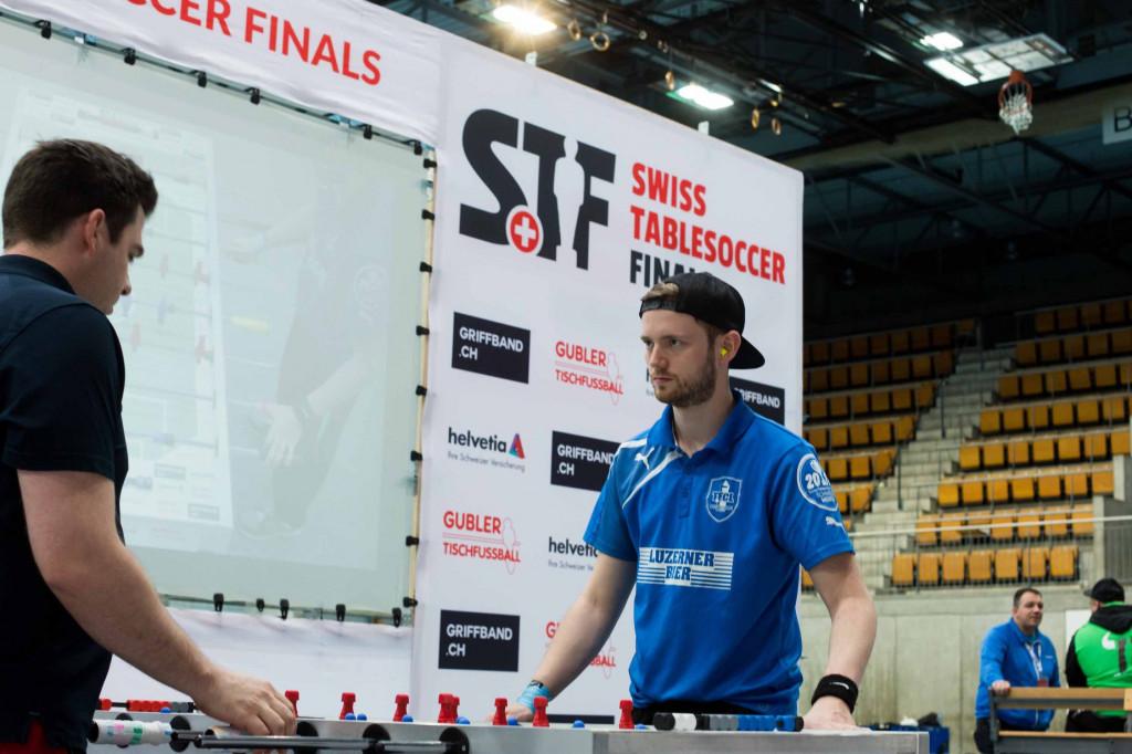Auch nicht alle vom TFCL können beim Mixed mitspielen. Das Duell Hannes gegen Salzi wird es beim Jahreseröffnungsturnier bei dieser Disziplin also nicht geben (Bild: Divy).